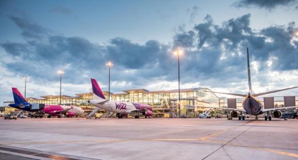 Nowe połączenie lotnicze z Wrocławia na wakacje Podróże, LIFESTYLE - Do siatki połączeń Portu Lotniczego Wrocław dołącza bułgarskie Burgas. Nowość wprowadza linia lotnicza Wizz Air. Loty będą realizowane od 19 czerwca. Bilety do Burgas są już dostępne. Dokąd jeszcze będzie można polecieć latem?